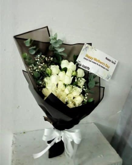 Hand Bucket Surabaya - Pure Bliss Bouquet