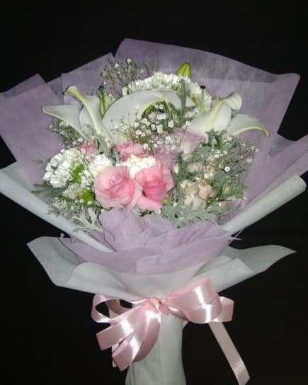 Hand Bucket Surabaya - Sweet Romance Bouquet
