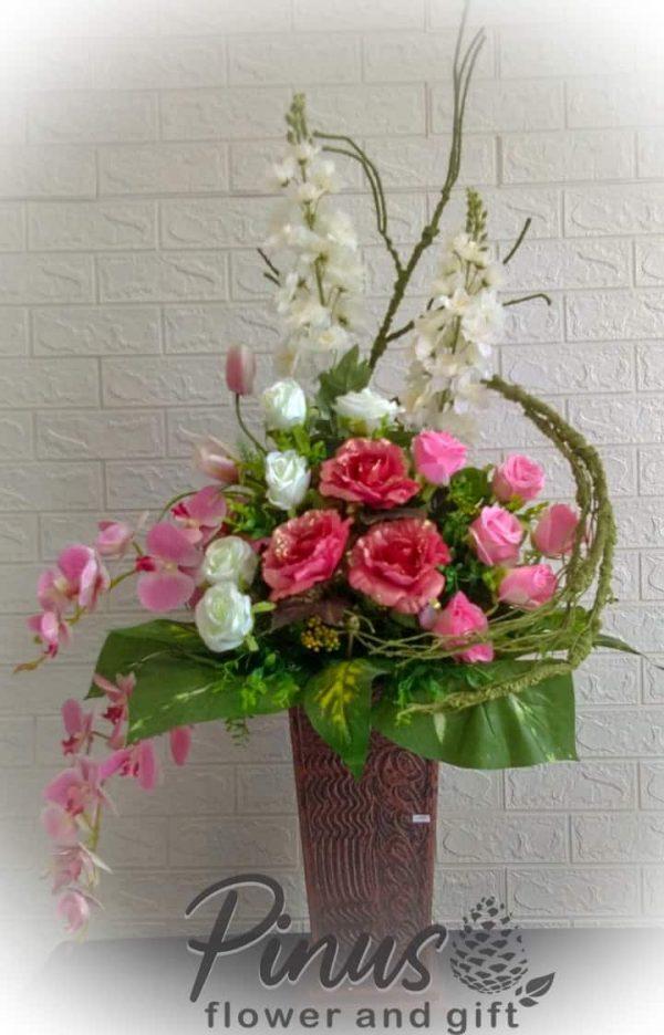 bunga meja rangka melingkar