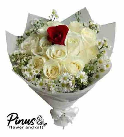 Home Hand Bouquet - Rose Peach