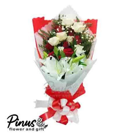 Home Hand Bouquet - Red Dessert