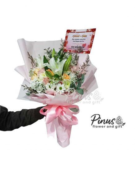 Hand Bucket Surabaya - Sweet Juliet Bouquet