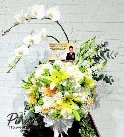 Bunga Meja Surabaya - Blessed Elegance
